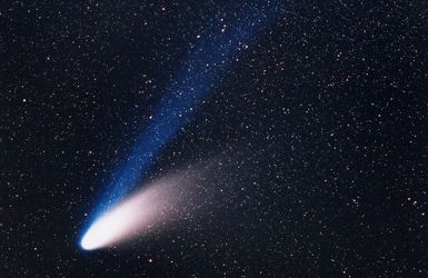 Comet C/1995 O1 Hale-Bopp showing separate dust and ion tails